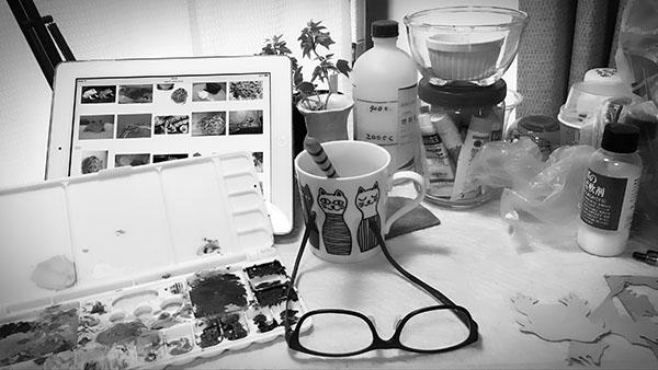 desk_6658b.jpg