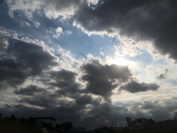 sky_3729a.jpg