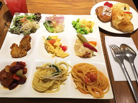 lunch_2588b.jpg